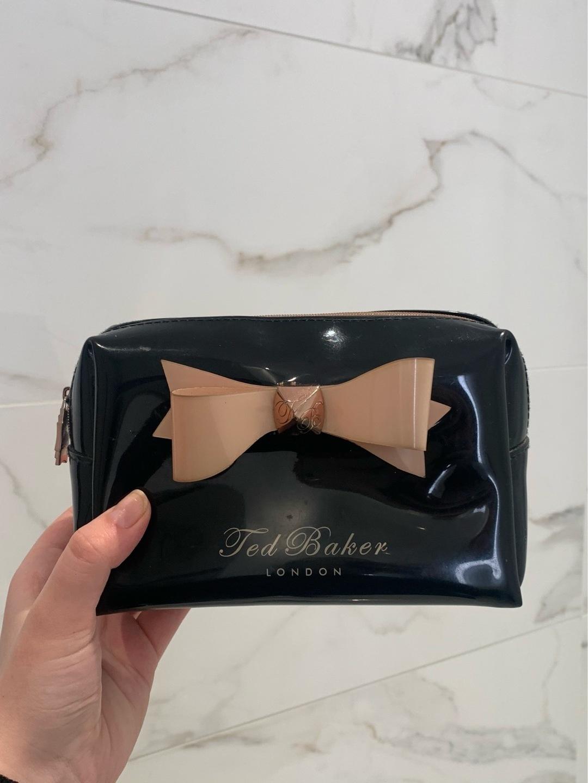 Damers makeup og skønhed - TED BAKER photo 1