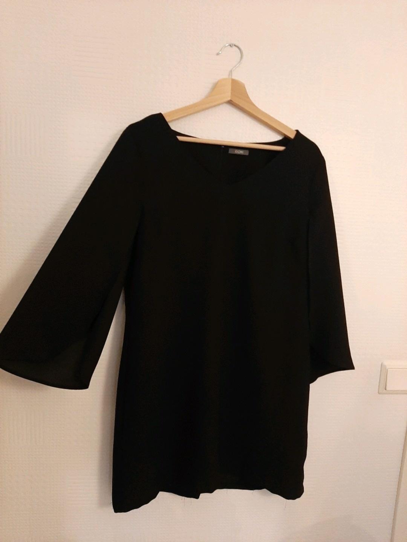 Damers kjoler - KIOMI photo 1