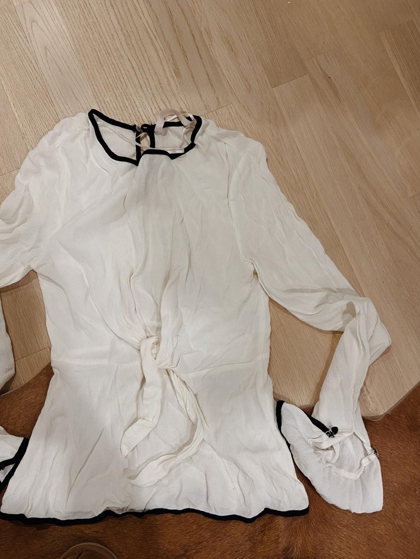 Naiset topit & t-paidat - ZARA photo 1