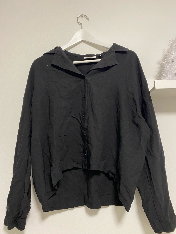 Women's blouses & shirts - WEEKDAY photo 1