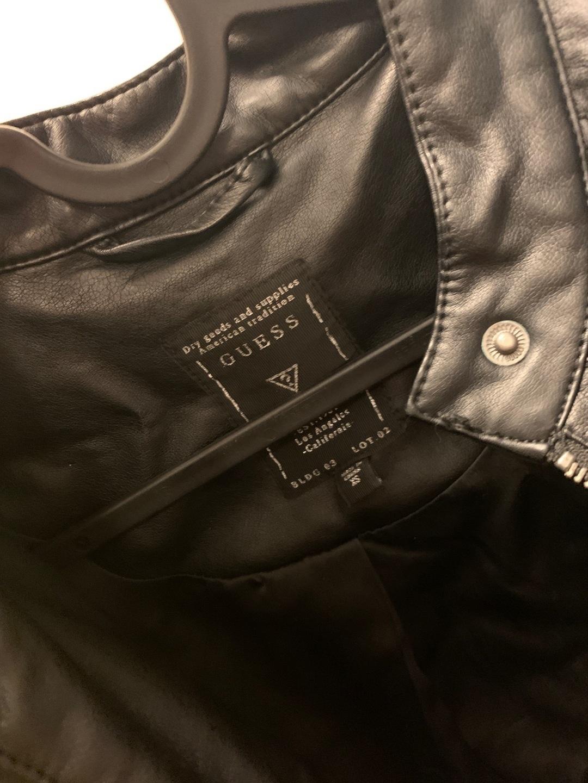 Women's coats & jackets - GUESS photo 3