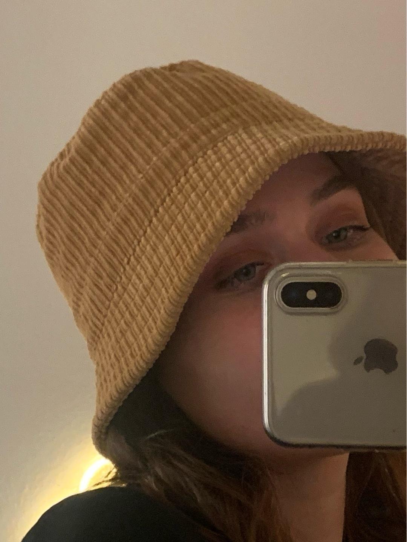 Women's hats & caps - MONKI photo 1