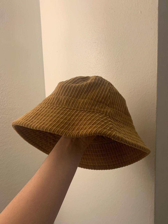 Women's hats & caps - MONKI photo 2