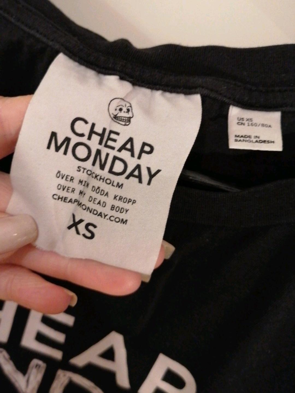 Naiset topit & t-paidat - CHEAP MONDAY photo 4
