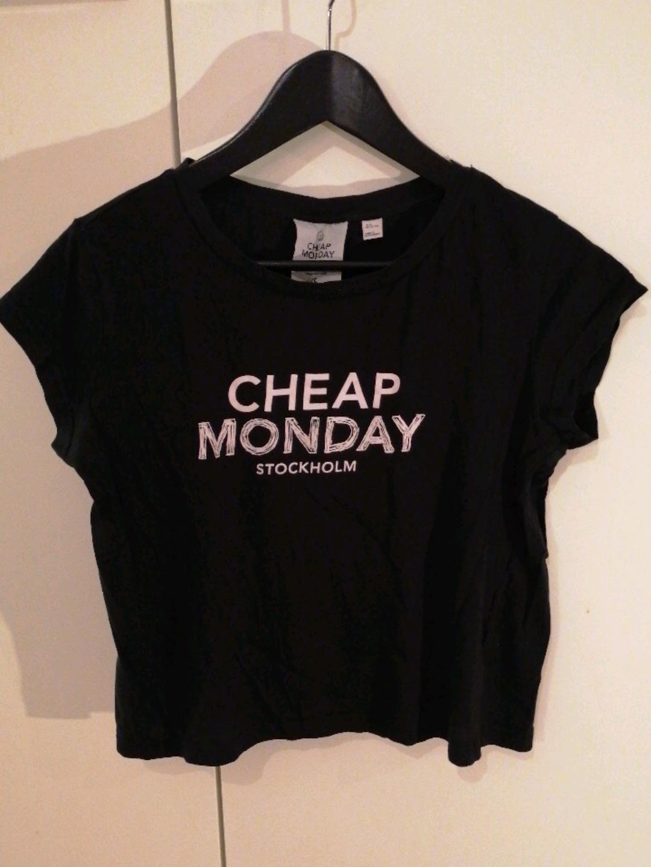 Naiset topit & t-paidat - CHEAP MONDAY photo 3