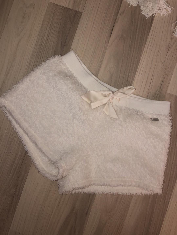 Women's shorts - HOLLISTER photo 1