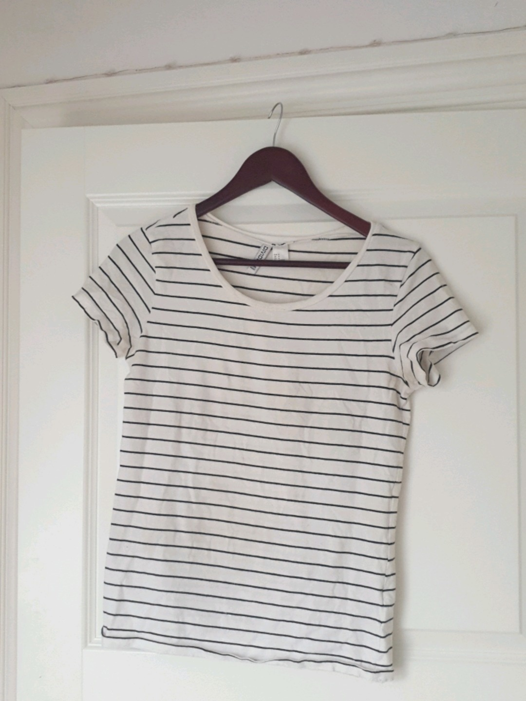 Women's tops & t-shirts - H&M photo 1