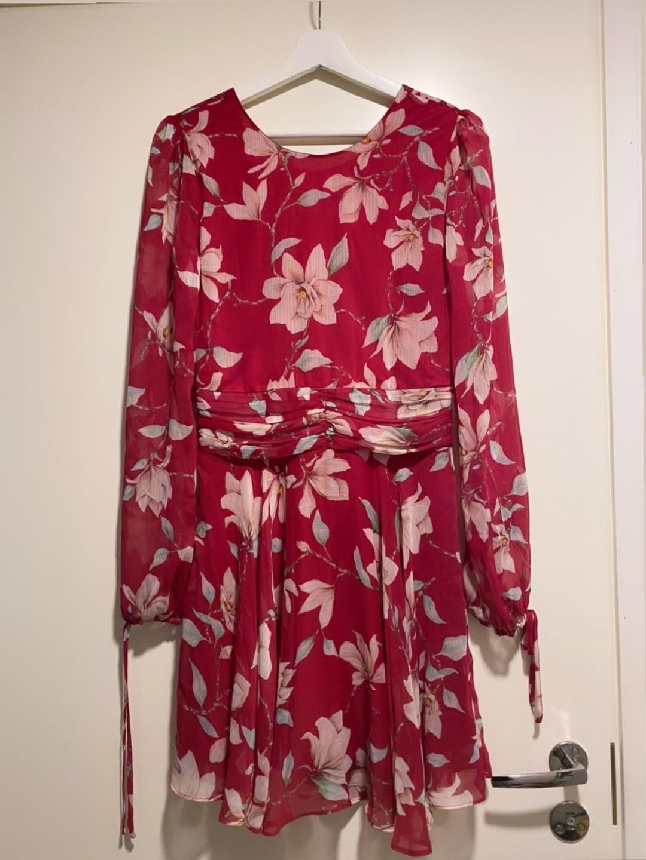 Women's dresses - BIK BOK photo 1