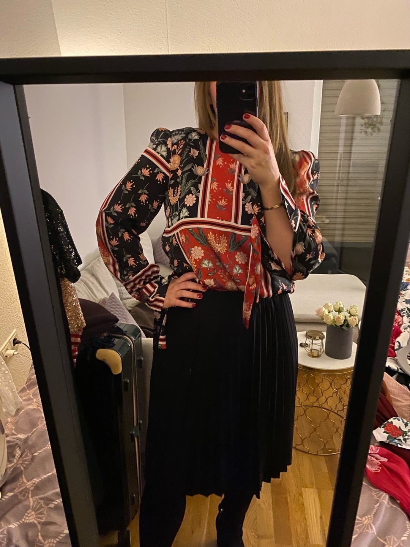 Damen blusen & t-shirts - TWIST & TANGO photo 1