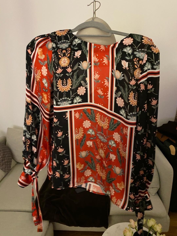 Damen blusen & t-shirts - TWIST & TANGO photo 3