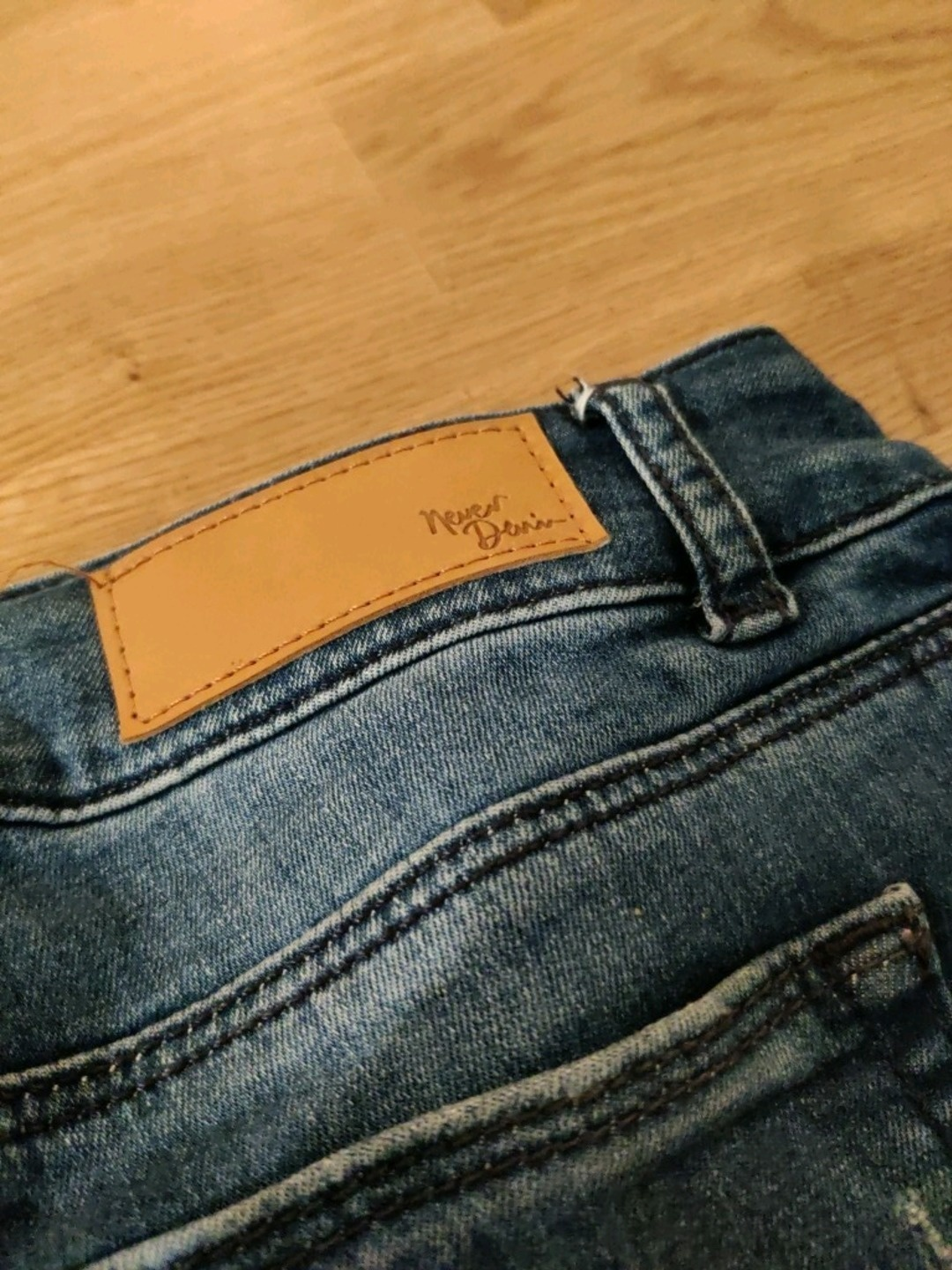 Women's trousers & jeans - NEVER DEMIN photo 4