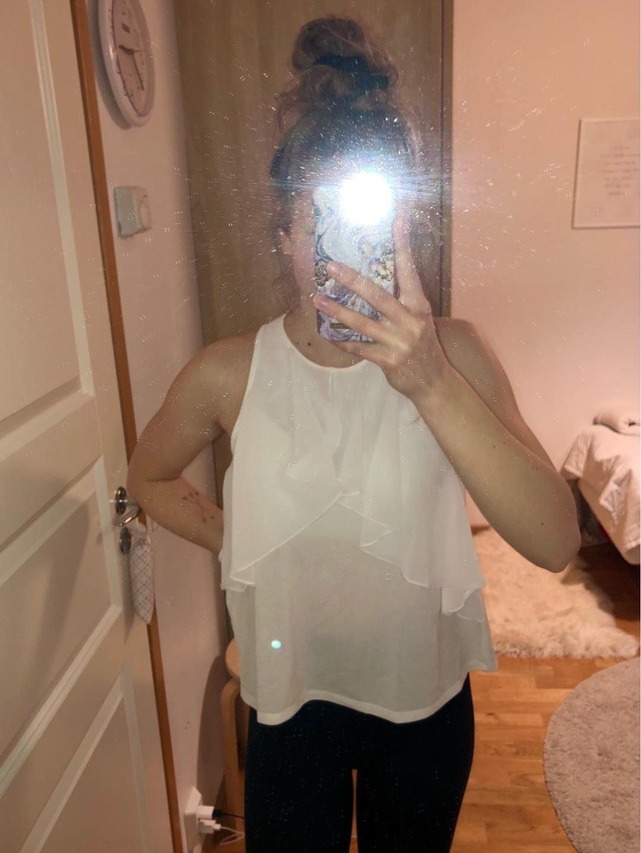 Damers toppe og t-shirts - MANGO photo 1