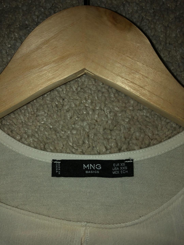 Damers toppe og t-shirts - MANGO photo 3