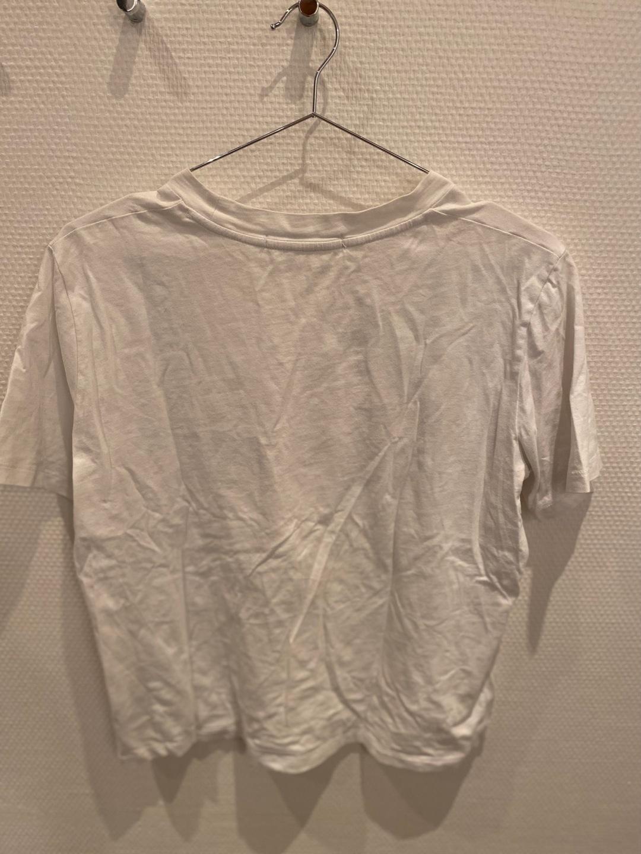 Damen tops & t-shirts - CALVIN KLEIN photo 2