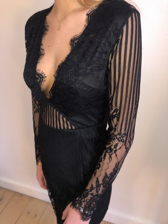 Women's dresses - MISSGUIDED photo 1