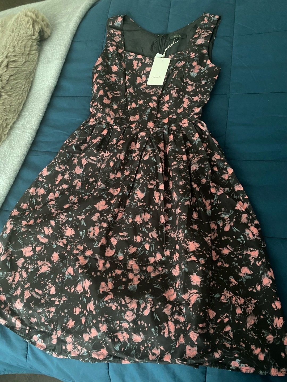 Women's dresses - RIENDA photo 1
