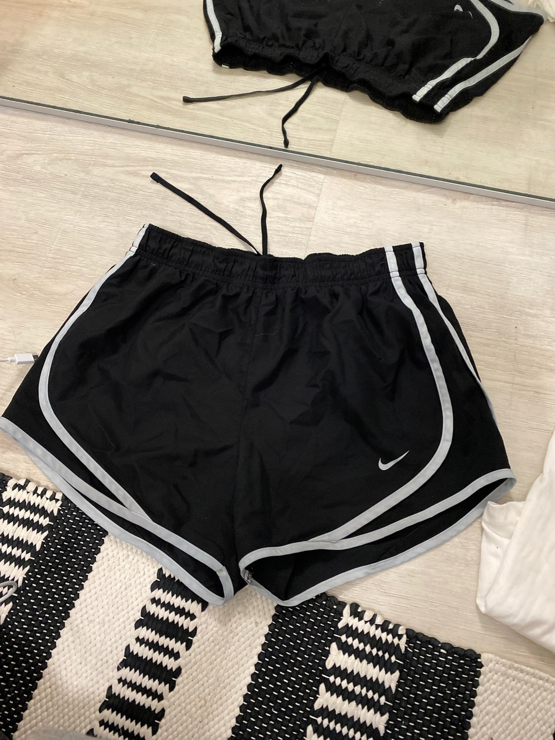 Women's shorts - NIKE photo 1