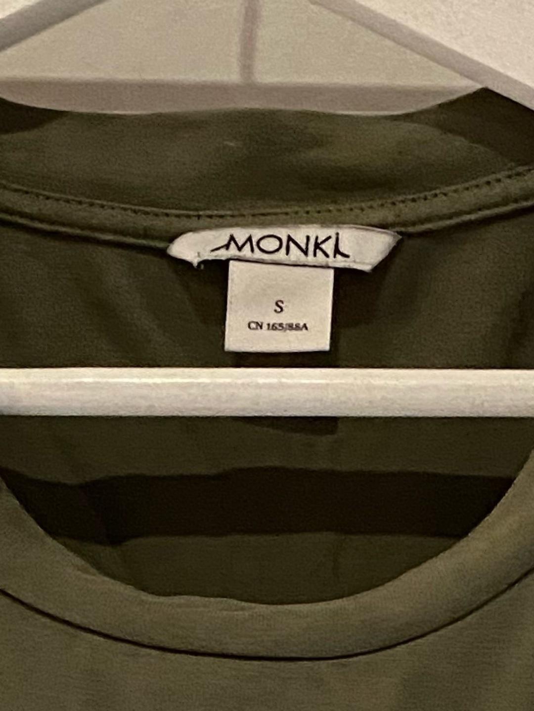 Naiset topit & t-paidat - MONKI photo 2