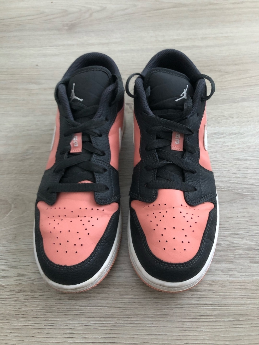 Women's sneakers - JORDAN photo 2