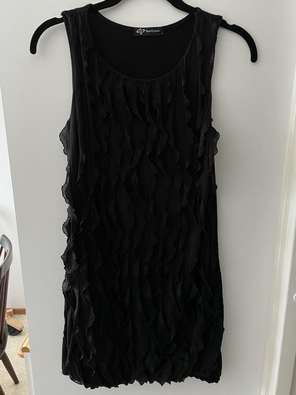 Damers kjoler - SISTERS POINT photo 1