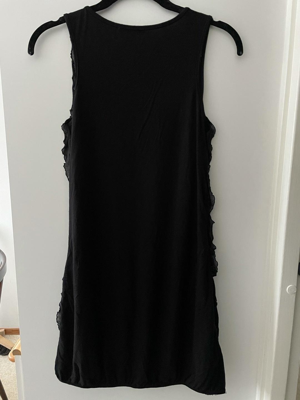 Damers kjoler - SISTERS POINT photo 2