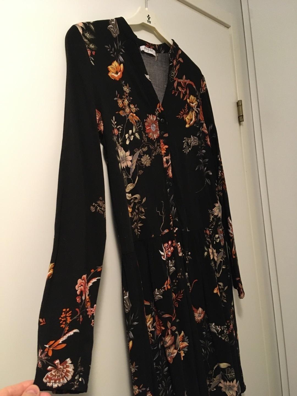 Damers kjoler - PIECES photo 2