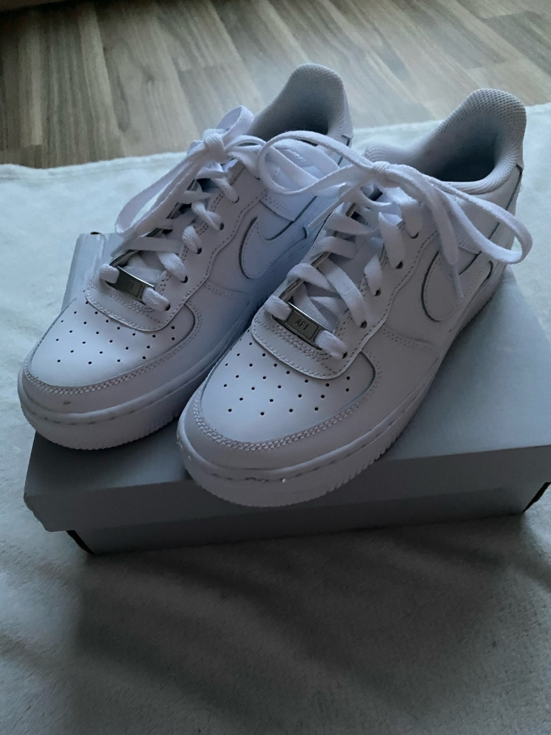 Women's sneakers - NIKE photo 1