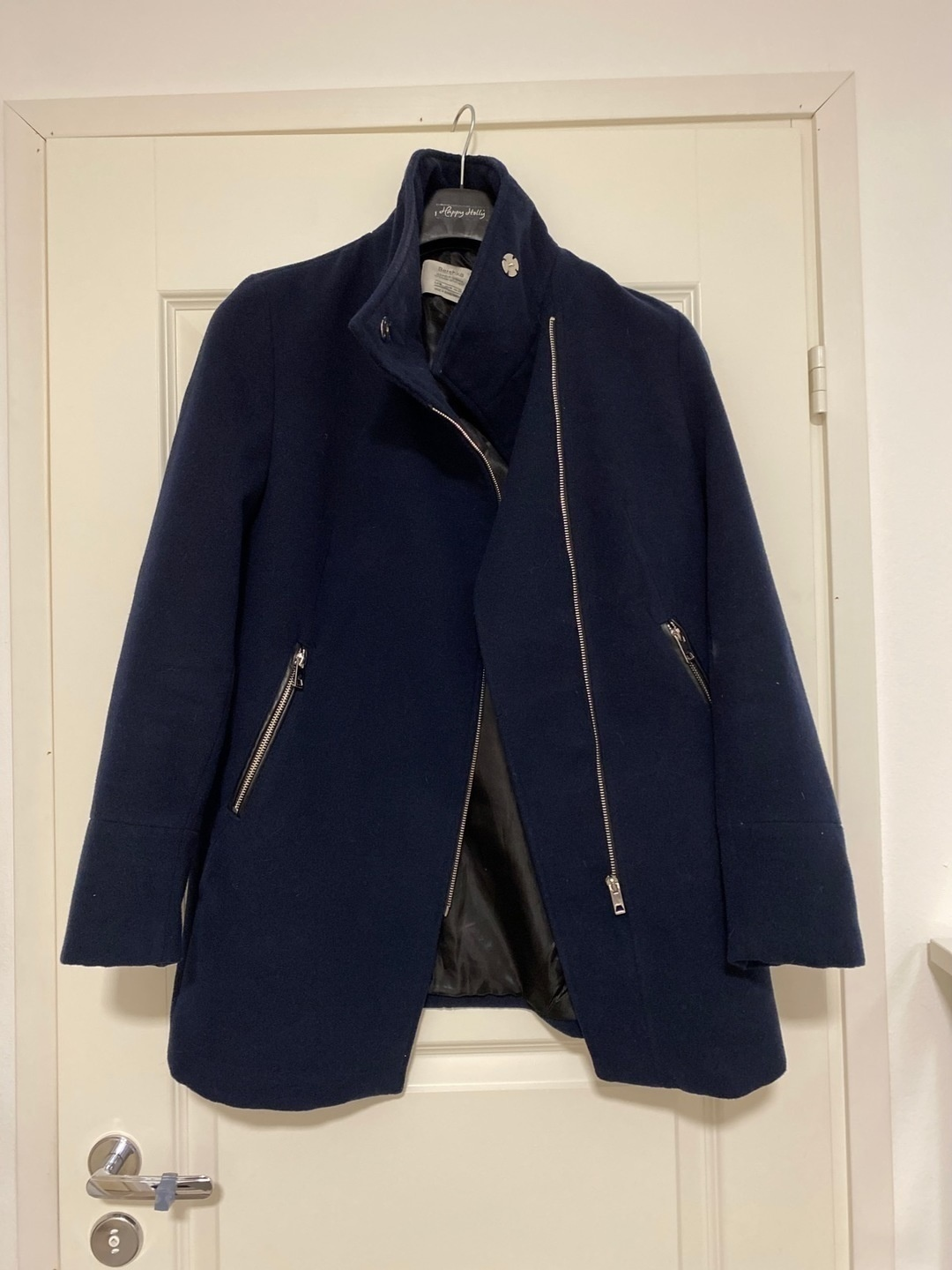 Women's coats & jackets - BERSHKA photo 1