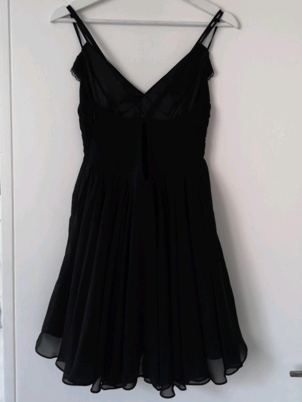 Women's dresses - GUESS photo 3