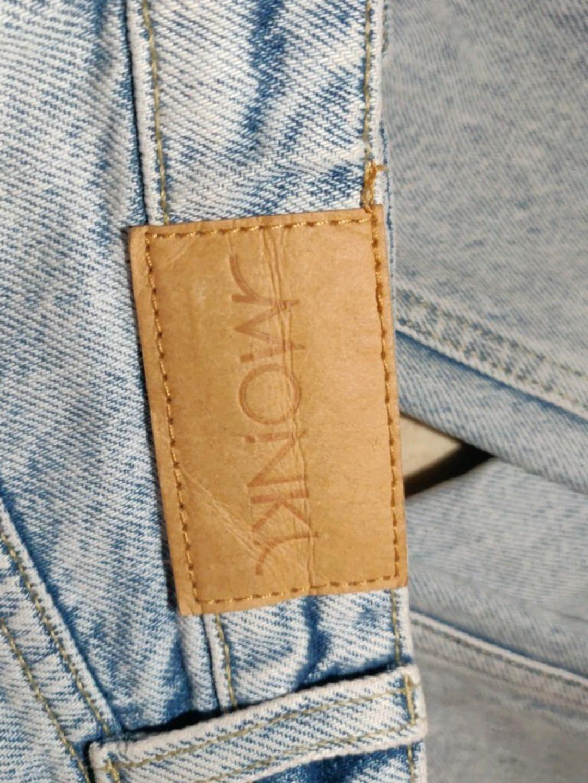 Women's trousers & jeans - MONKI photo 4