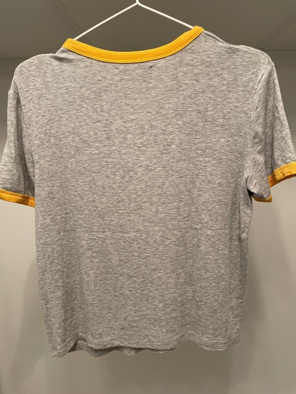 Women's tops & t-shirts - BERSHKA photo 2