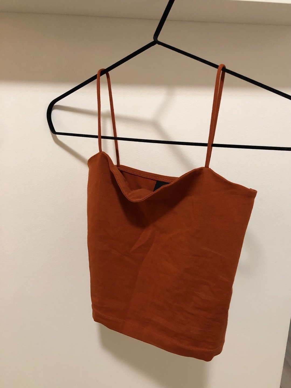 Women's tops & t-shirts - GINA TRICOT photo 1