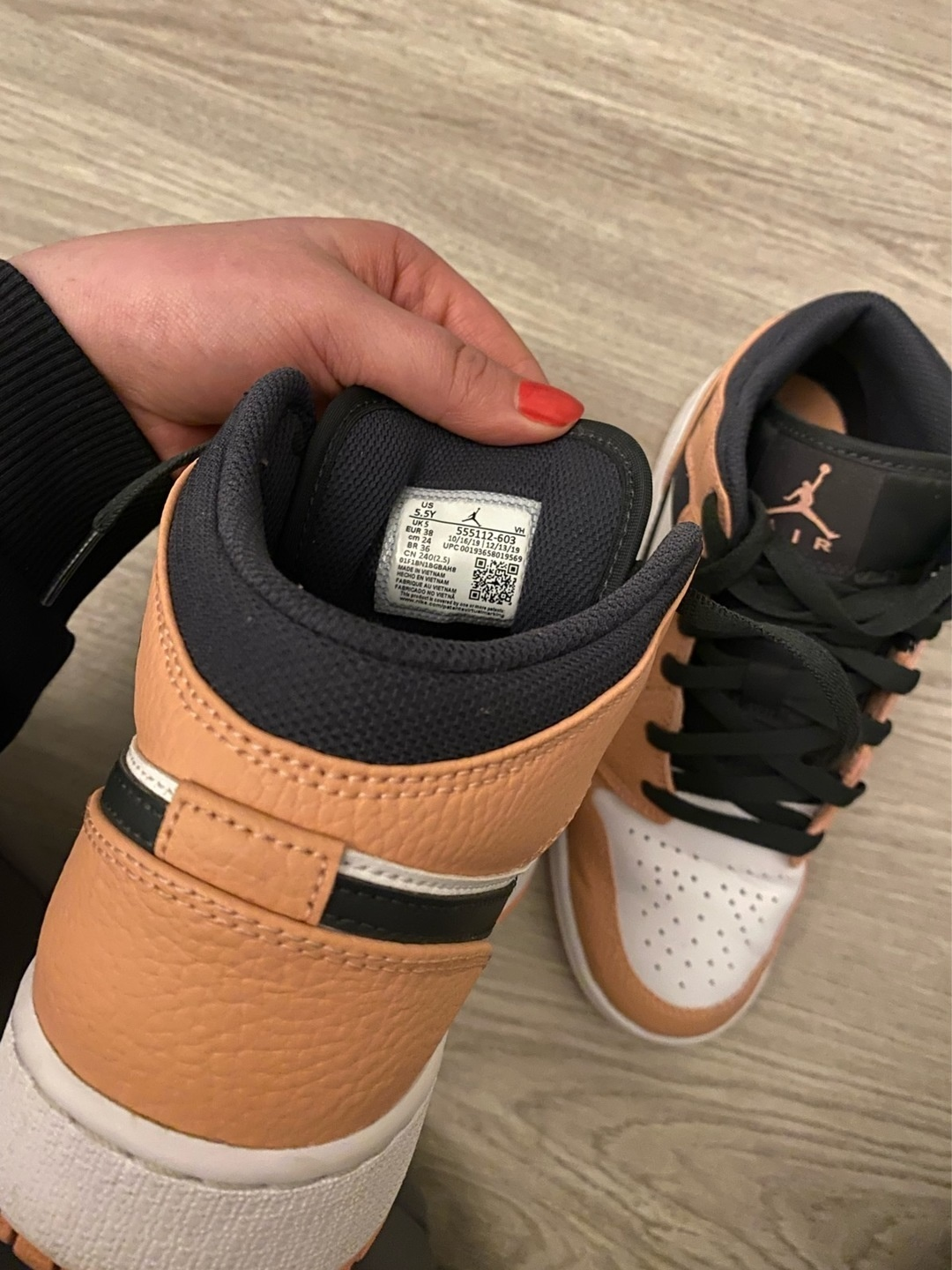 Women's sneakers - JORDAN photo 3
