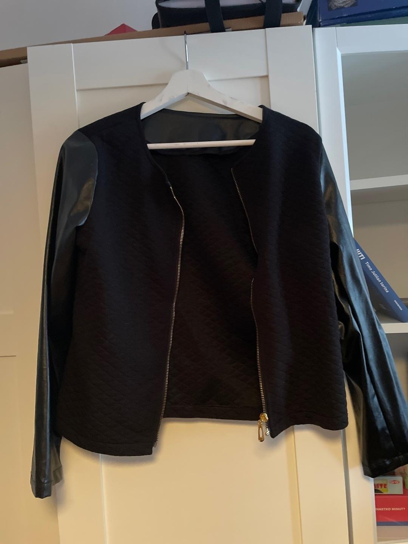 Naiset takit & jakut - - photo 1