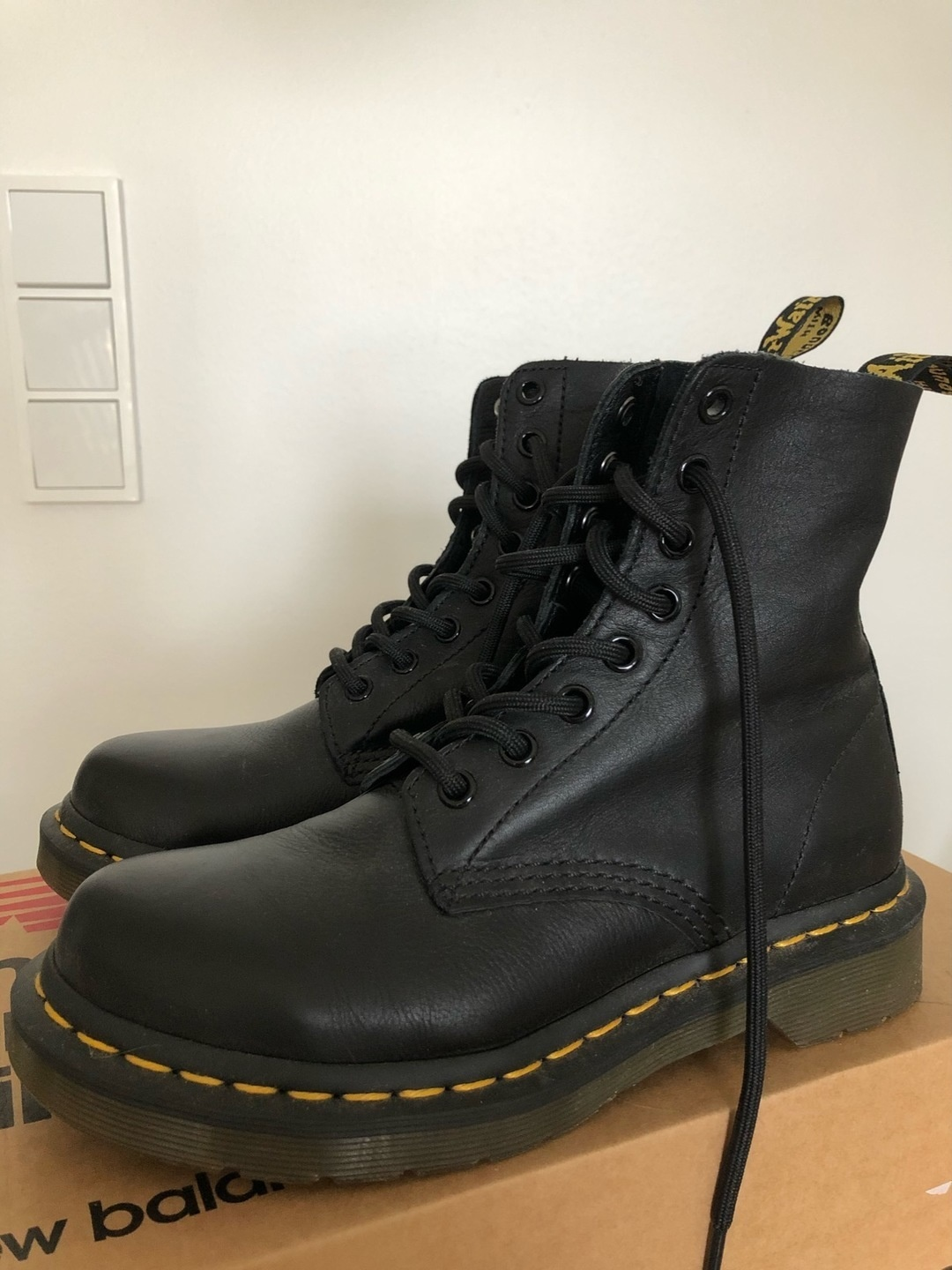 Women's boots - DR. MARTENS photo 2