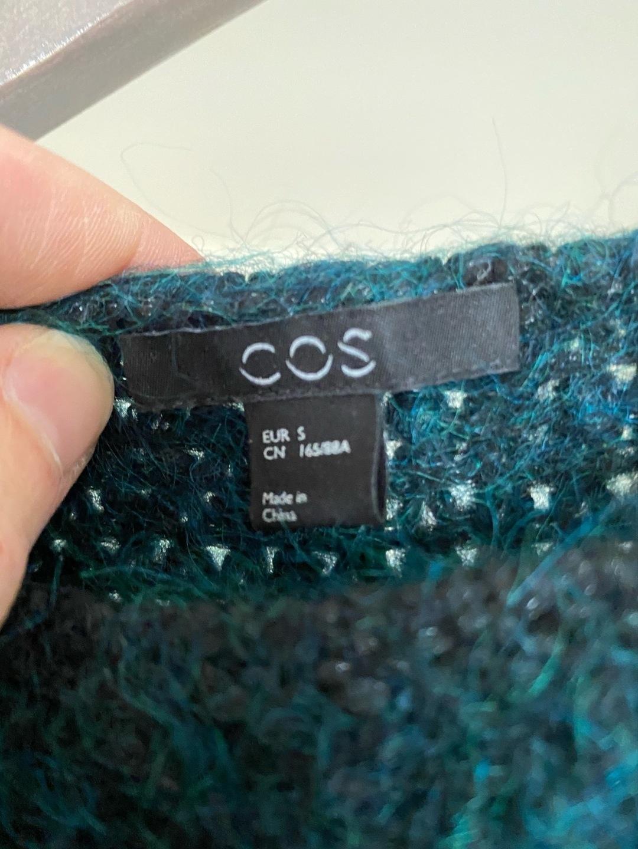 Naiset neuleet & villatakit - COS photo 3
