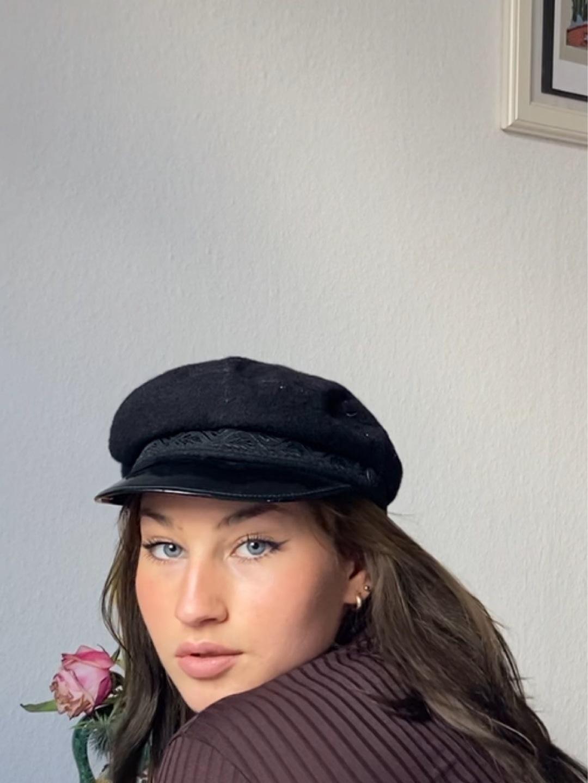 Women's hats & caps - GREECE photo 1