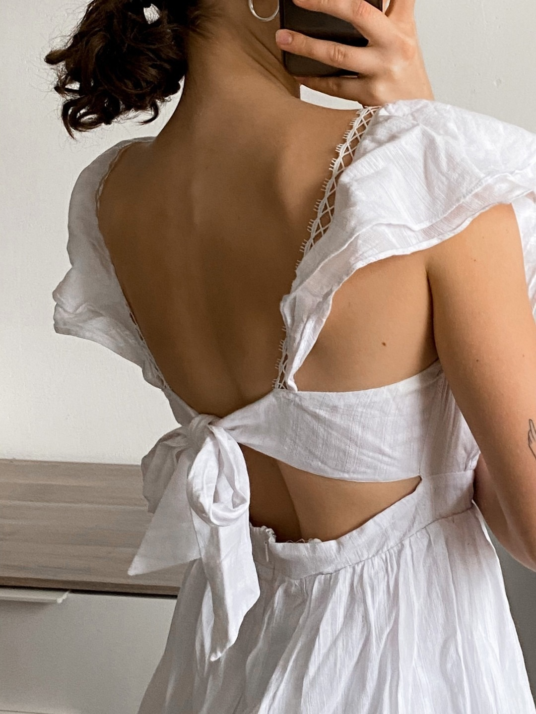 Women's dresses - SUBTITLED photo 2