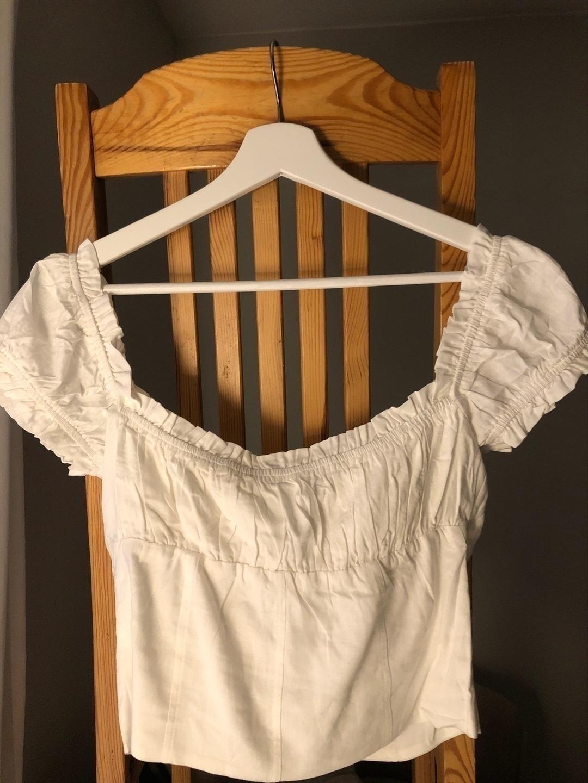 Women's tops & t-shirts - PRINCESS POLLY photo 2