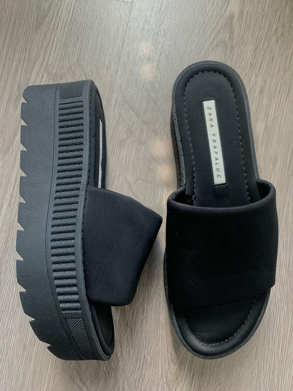 Naiset sandaalit & tohvelit - ZARA photo 1