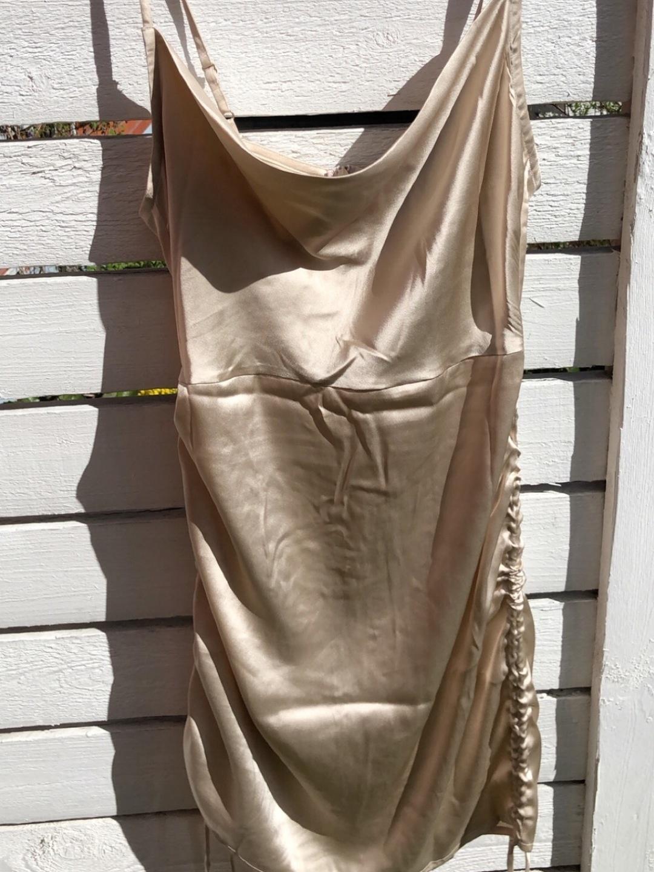 Women's dresses - BUBBLEROOM photo 1