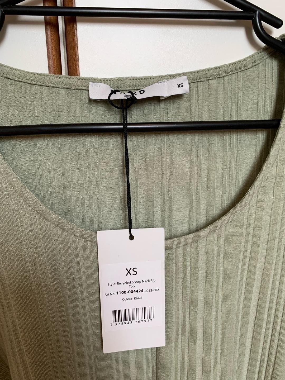 Naiset topit & t-paidat - NA-KD photo 4
