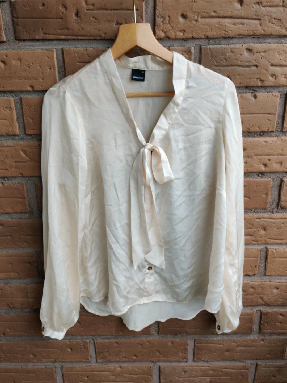 Damen blusen & t-shirts - GINA TRICOT photo 1