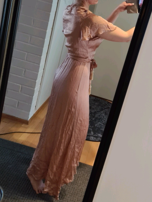 Women's dresses - 21 DEGREES photo 1