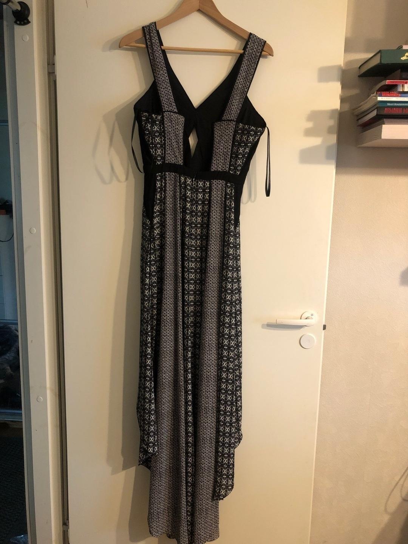 Damers kjoler - BCBGMAXAZRIA photo 2